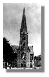 Die Christuskirche mit ihrem spitzen Turm, den sie im Krieg verlor