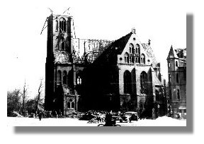 Die Christuskirche nach den Bombennächte im April 1942