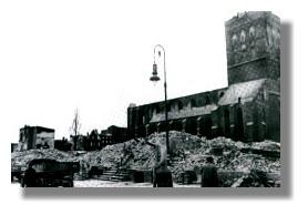 Zerstörte Jacobikirche, Blick von der Langen Straße, 1942